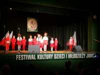 uczestnicy-na-scenie