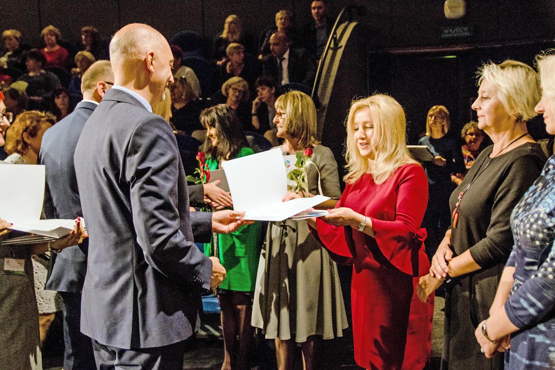 prezydent-podczas-wręczania-nagród