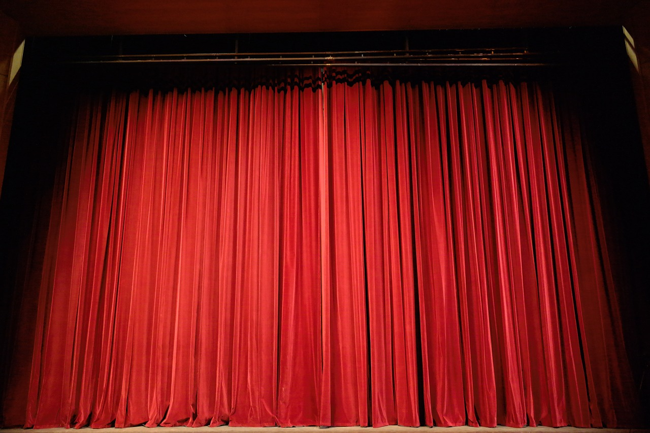 kurtyna-teatralna