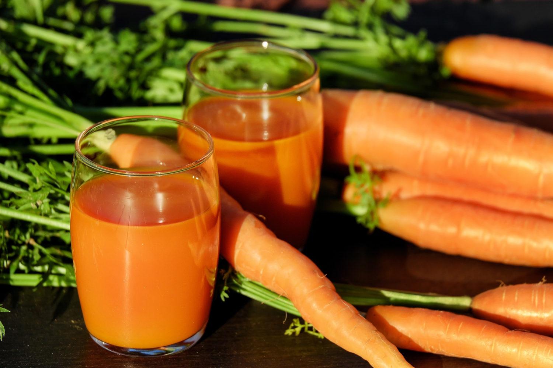 sok-z-marchewki