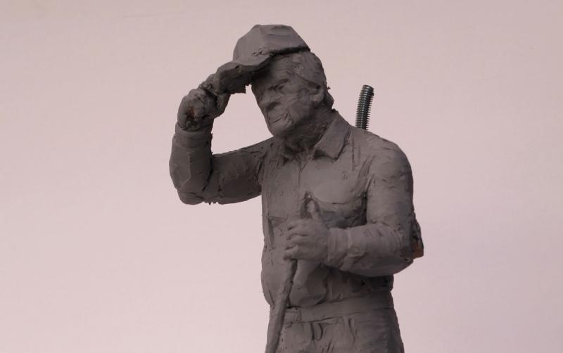 pan-włodek-makieta-pomnika