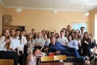 uczniowie-w-klasie