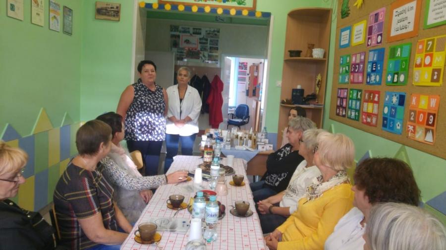 spotkanie-kobiet-w-klubie-gigant