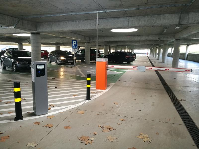 parking-przy-hali