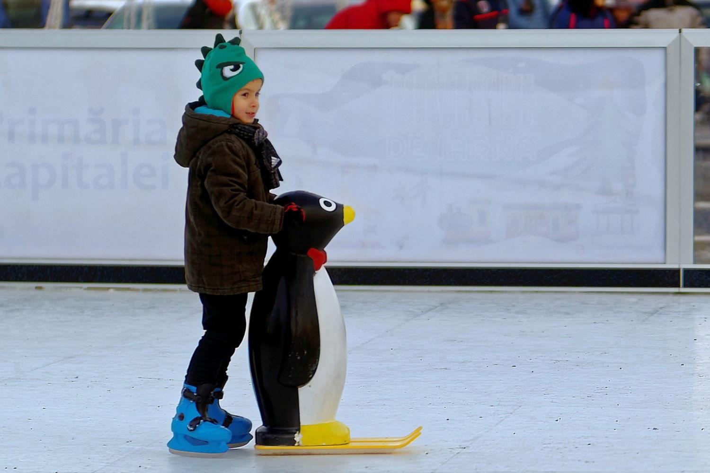 dziecko-na-lodowisku