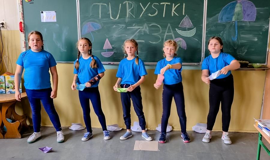 turystki-z-trzeciej-klasy